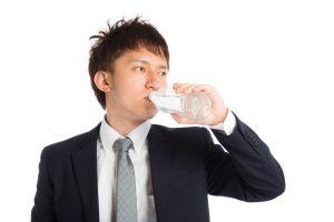 快眠につながる水分補給習慣!体の水分不足を防ぐコツとは?