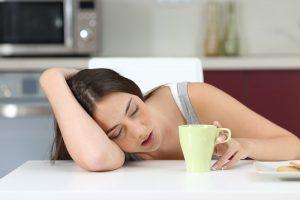 睡眠をとっても続く疲労、慢性疲労症候群かも?自律神経に異常?