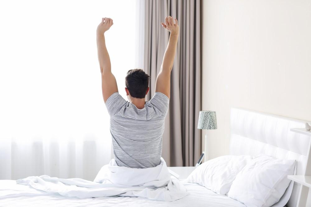 急激な朝方生活へのシフトは快眠の妨げに!天気痛もひどくなる?