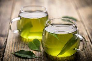 """睡眠の妨げになる緑茶が、""""ある方法""""で快適な睡眠を導くドリンクに変身?"""