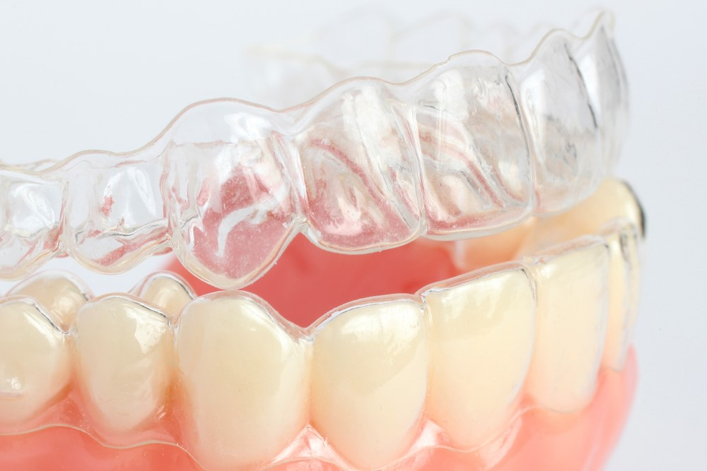 睡眠中の歯ぎしりが恐ろしい病気の原因に?対策はマウスピースで!