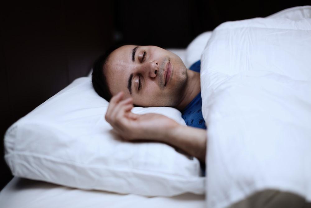 天気痛を解消したいサラリーマンが使うべき快眠グッズ2つ