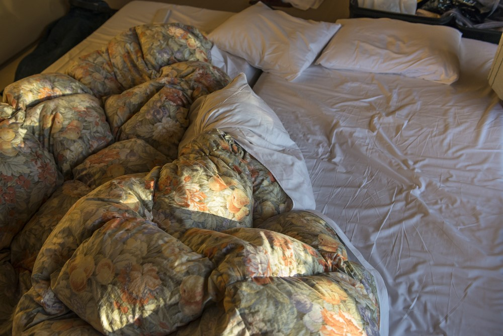 寒くなる季節の寝具に注意!湿った布団が快適な睡眠に与える悪影響とは?