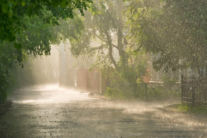 雨が降るたびに発生する頭痛は気象病?カラダにやさしいケアグッズとは?