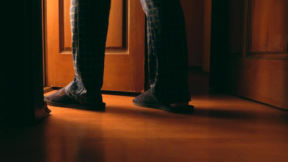 年齢だけが原因ではない?夜間頻尿が快適な睡眠を妨げる理由とは?