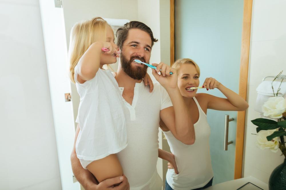 朝起きて歯を磨いても口臭が消えない!原因は寝ている間の口呼吸かも?