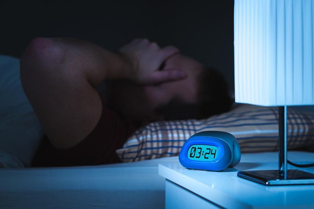 《医師監修》歯ぎしりするのは睡眠が浅いから?8つのNG習慣とカンタン対応策