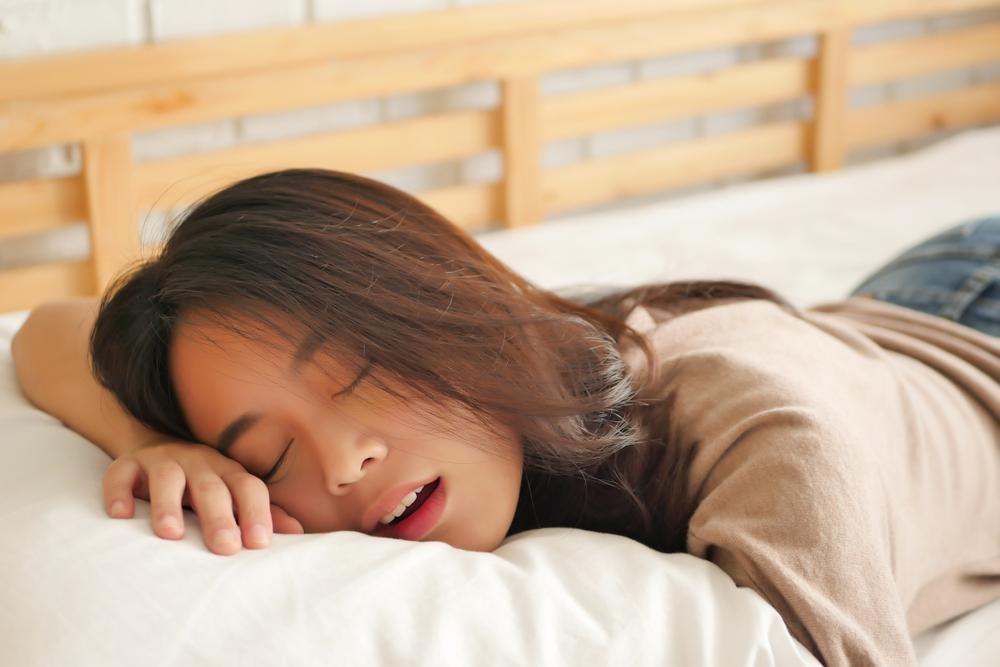 いびきの対策につながるマウスピース2つ!歯ぎしり防止にも役立つ!