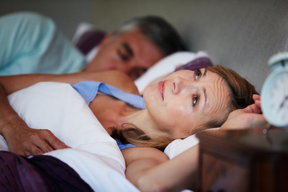 """入眠障害は""""寝る前の耳かき""""で解消?毎晩の寝つきがよくなる?"""