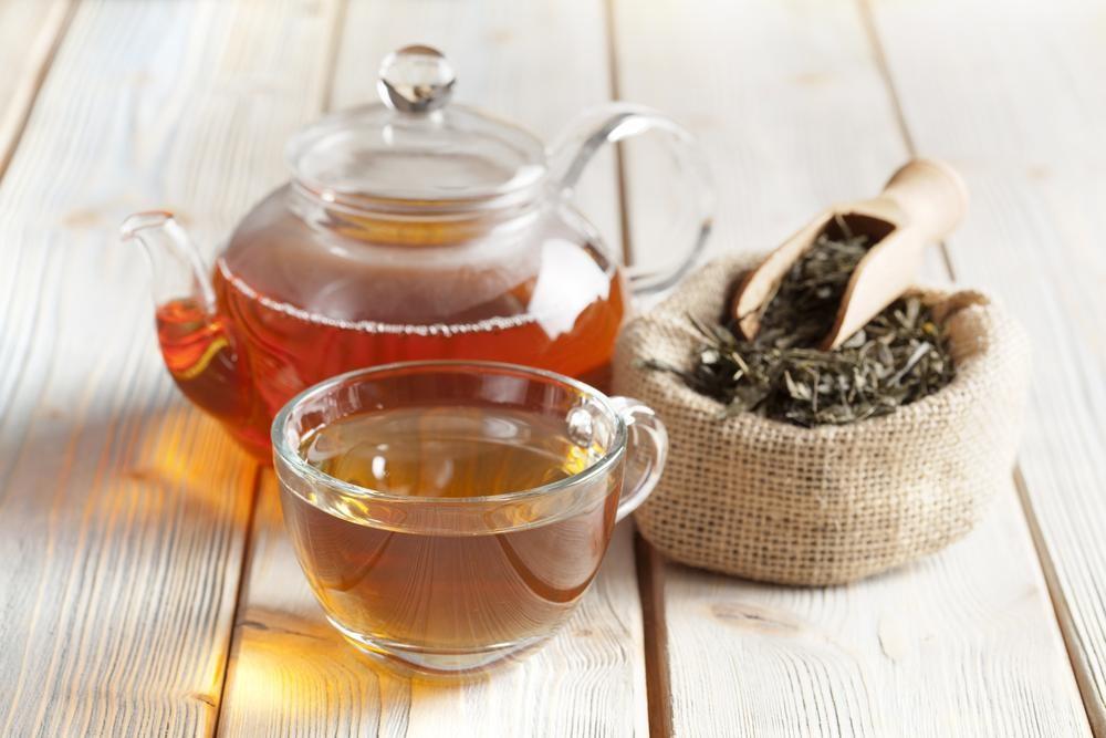寝る前にお茶を飲んで深い睡眠を得る!飲んではいけないドリンクは?