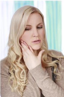 朝起きたら顎に違和感?歯ぎしりが続くときに使うべきマウスピース