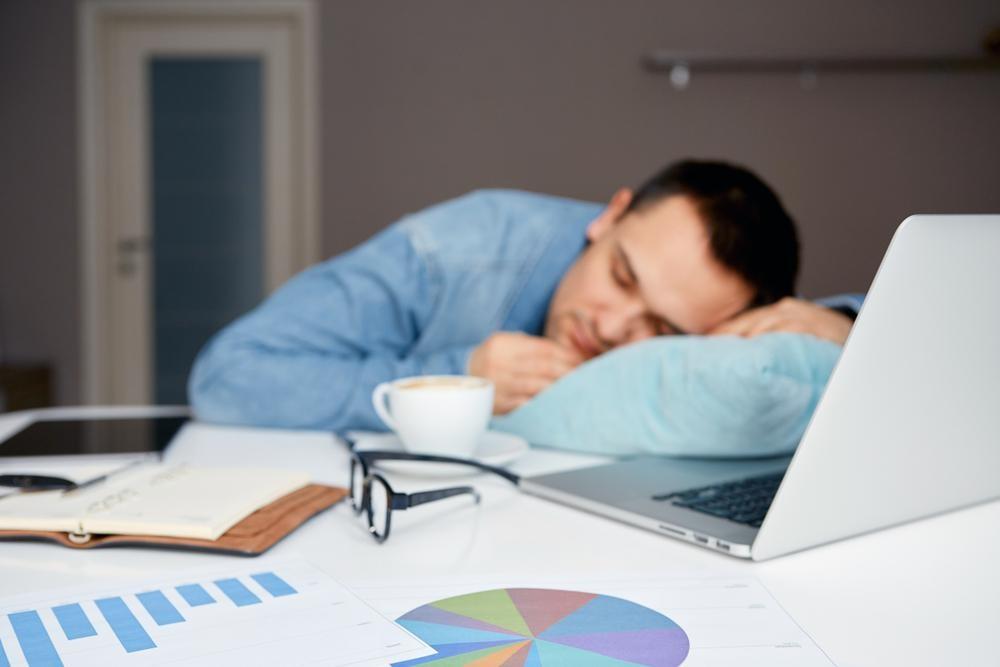 寝不足が続いたら試してみたい!平日と休日の効果的な昼寝と二度寝