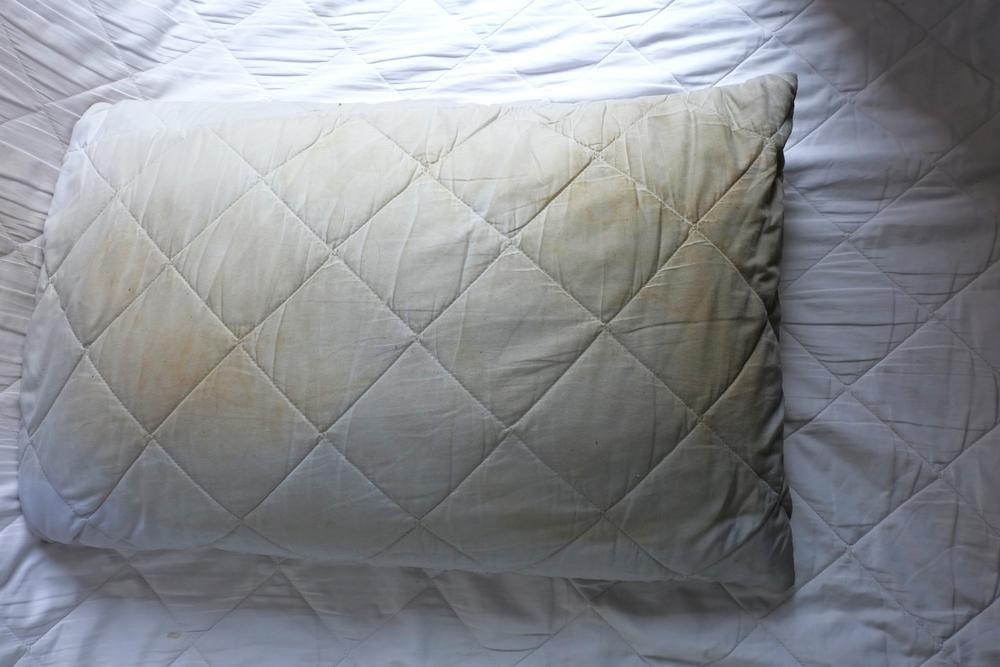 朝起きて肩こりや頭痛を感じる方は要注意!枕が誘う快眠の秘密とは?