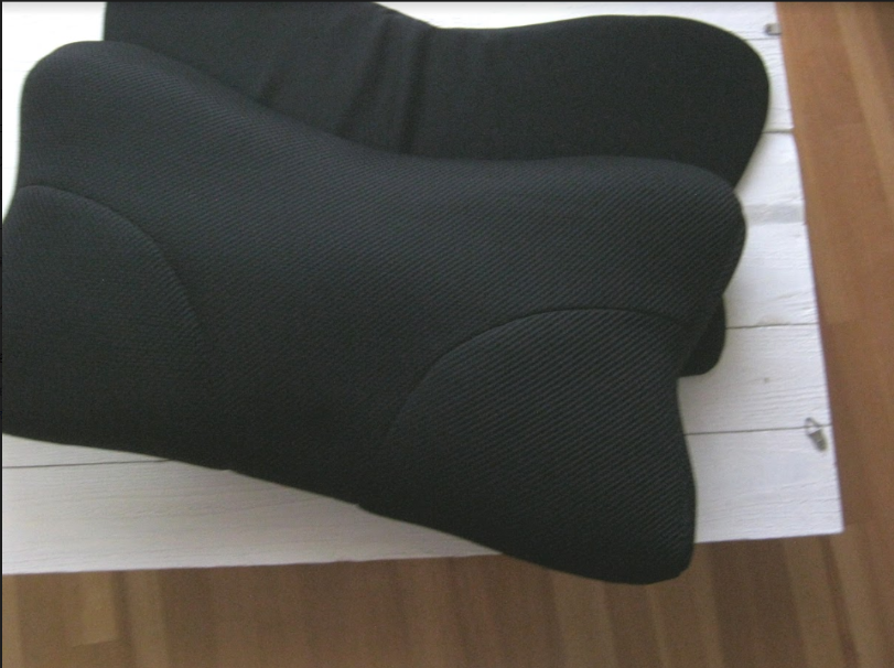 【RAKUNA整体枕レビュー】寝起きの頭痛と肩こりがなくなった!?