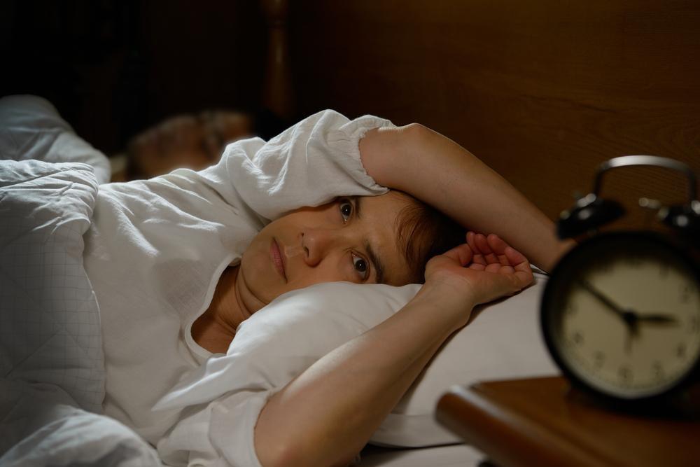寝苦しい夜の対策に!アイスノンで頭を冷やすよりおすすめの方法は?