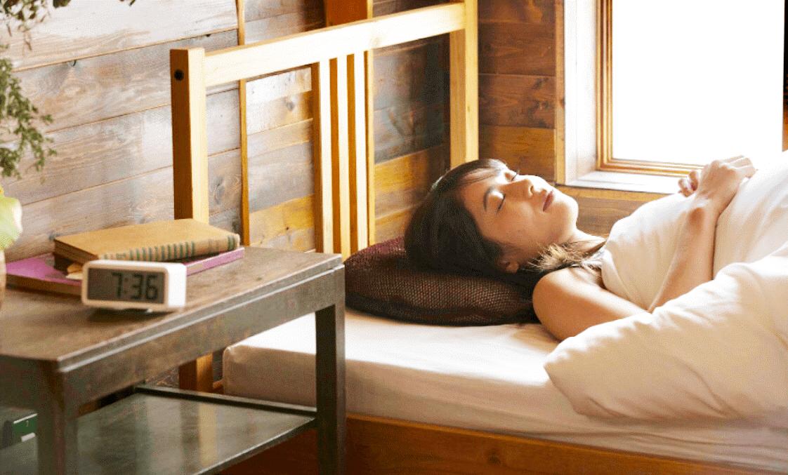【睡眠用たわしの気になる感触】痛気持ちいい枕でグッスリ眠れる?