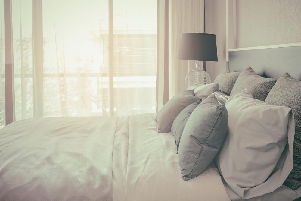 ベッドパッドは季節で替える?正しい選び方とケア方法を解説!