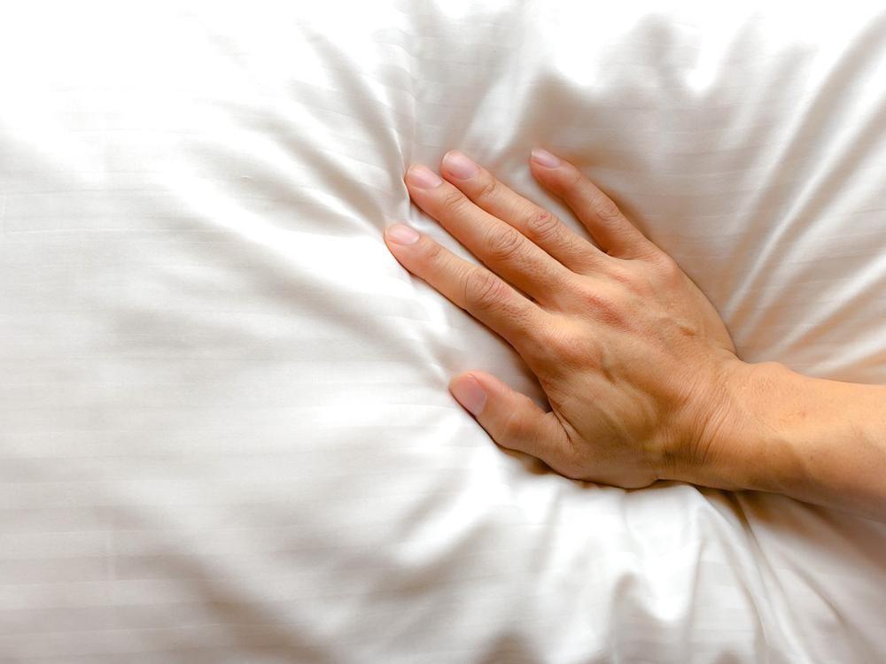 【布団から嫌な臭いを消す方法】6つのケースごとに対応策を解説