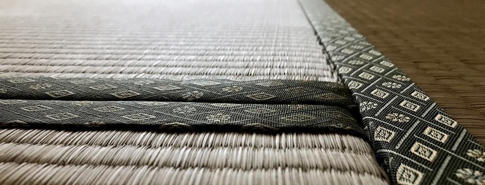 【フローリングに布団を敷く時のポイント】湿気以外の注意点は?
